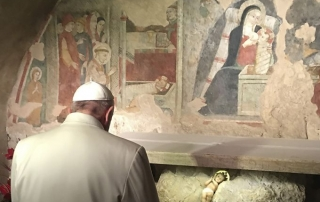 Pope_Francis_visits_the_place_of_the_first_nativity_scene_in_Greccio_Italy_on_Jan_4_2015_Credit_LOsservatore_Romano_CNA_1_4_16