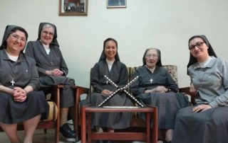 nuns-kG9G-U1080905411978f3-1024x576@LaStampa.it