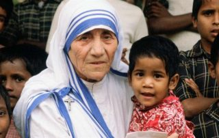brand-bio-bio-shorts-mother-teresa-mini-biography-0-172237-sf-hd-768x432-16x9