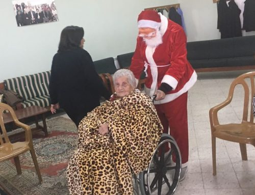 BSCC Hosts Christmas Tree Lighting Ceremony, Christmas Gifts Distributed to the Elders of Birzeit