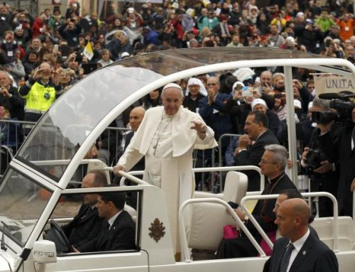 Pope will not travel in bullet-proof vehicle on Egypt visit despite terror risk